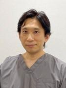 本庄友行医師の顔写真