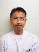 羽田勝彦医師の顔写真