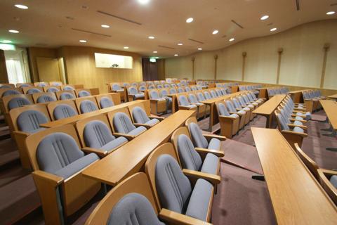 研修ホールの内部・聴衆席