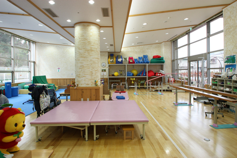 小児リハビリテーション室の内部